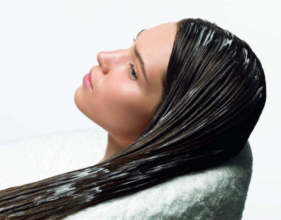 چگونه موهایمان را با چند ماسک طبیعی تقویت کنیم
