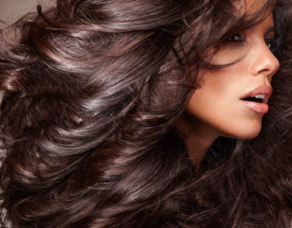 موهای فرفری و وز کرده را چگونه صاف کنیم؟